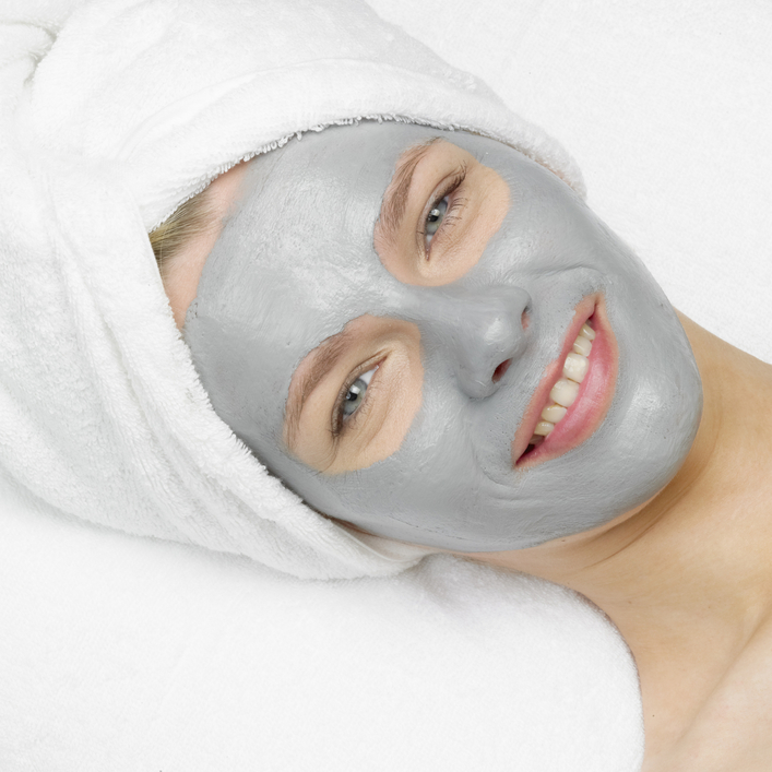Clay Mask Facial 103